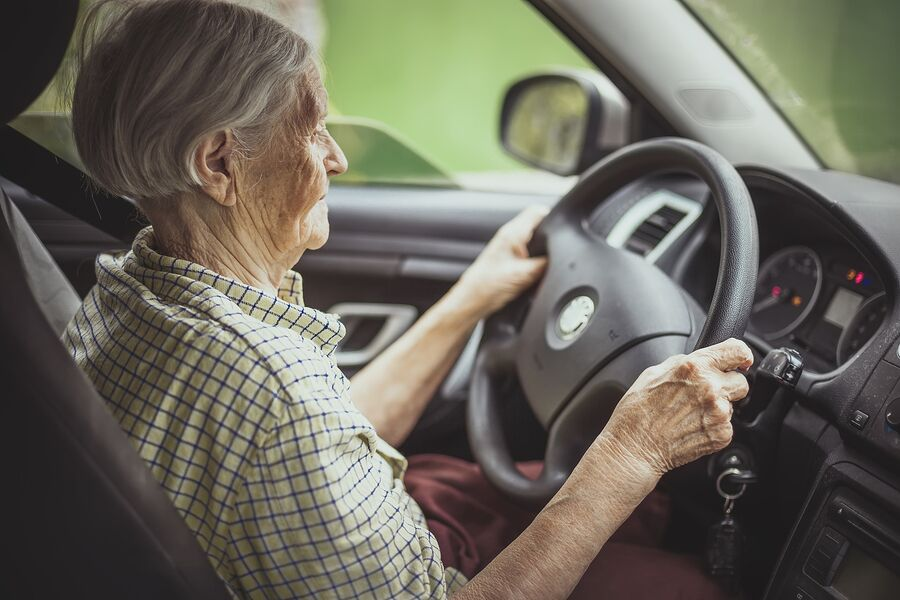 Elderly Care in Pacifica CA: Senior Driving