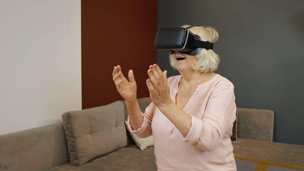 Social Seniors: Virtual Reality